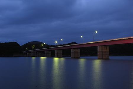 つなぎ大橋。
