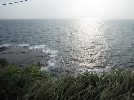 江ノ島からエボシ岩方面を望む