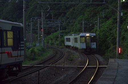 今川駅 普通車の交換