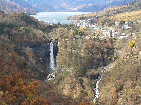 明智平より中禅寺湖と華厳の滝