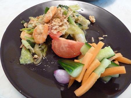 野菜炒めとお漬物