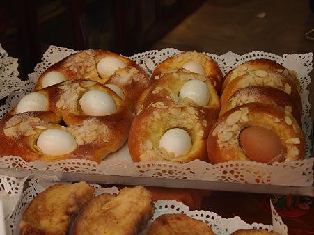 卵入りイースターのご馳走