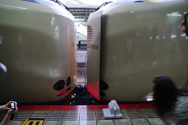 s4705_サンライズ_岡山駅で列車分割