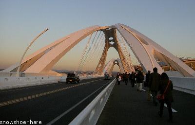 スタジアムへの橋