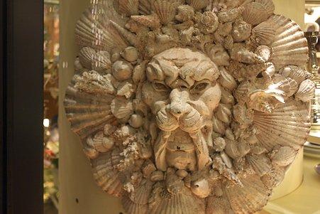 2011.12.29 丸の内仲通り 貝のライオン