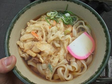 昼食は天ぷらきしめん