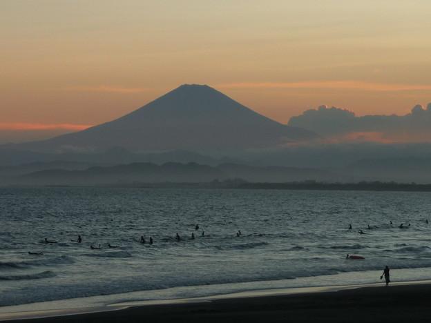 富士山と夕焼け海岸2