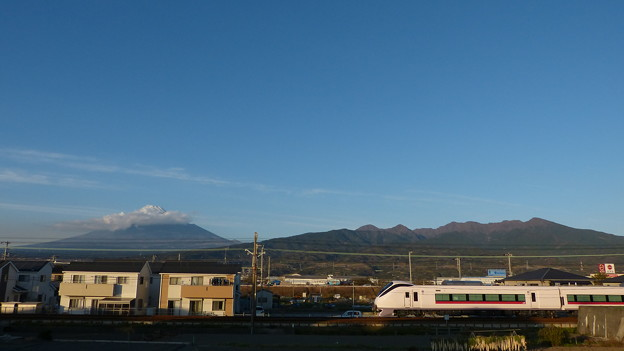 E657系と富士山