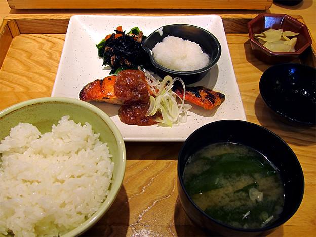 大戸屋の紅鮭定食