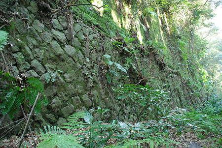 旧外房線ルートの石垣