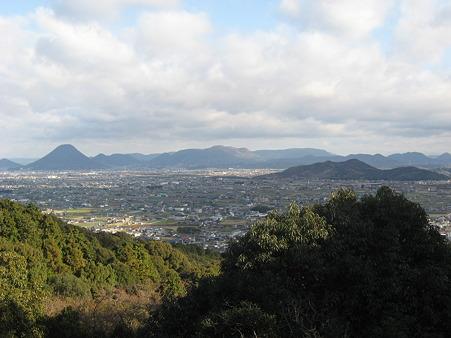 琴平神社から讃岐平野をのぞむ